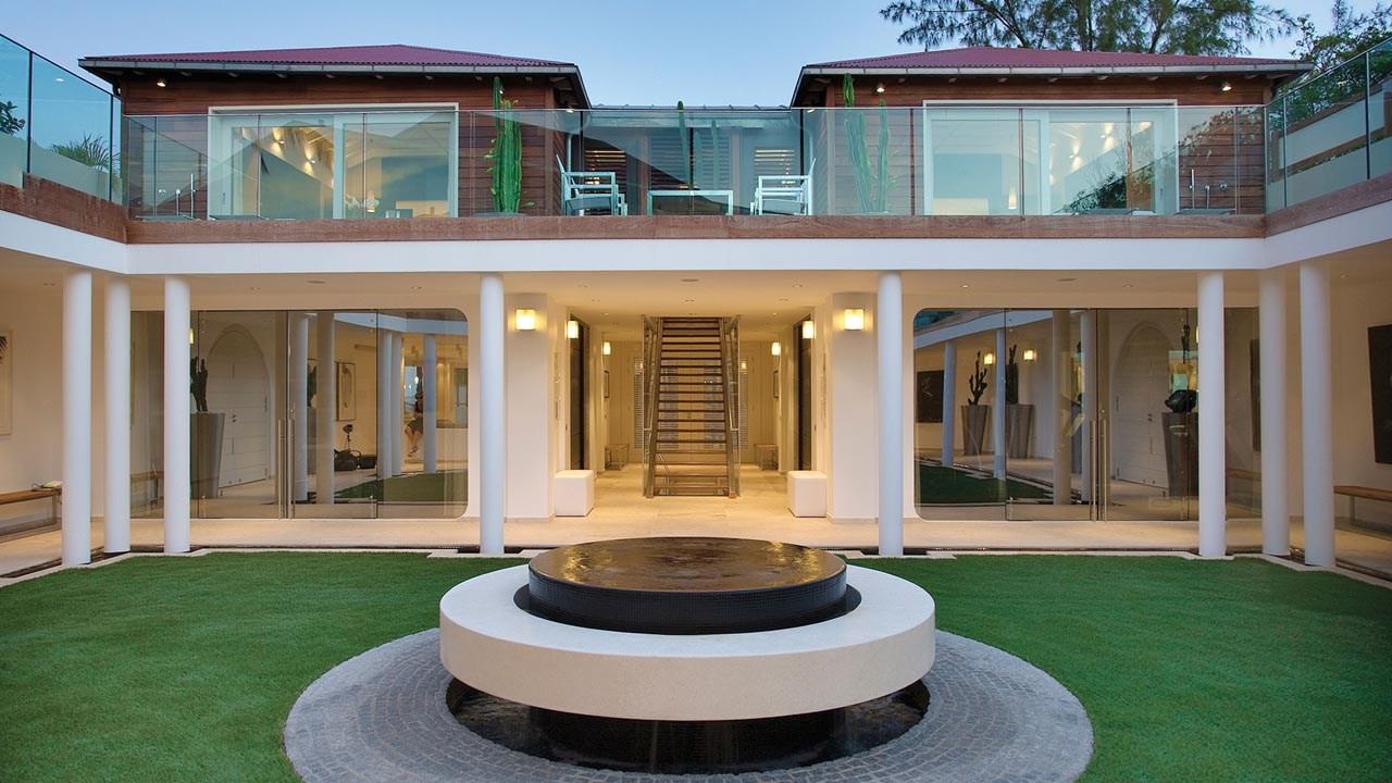 Eden rock st barths most beautiful spots for Decoration villa de luxe