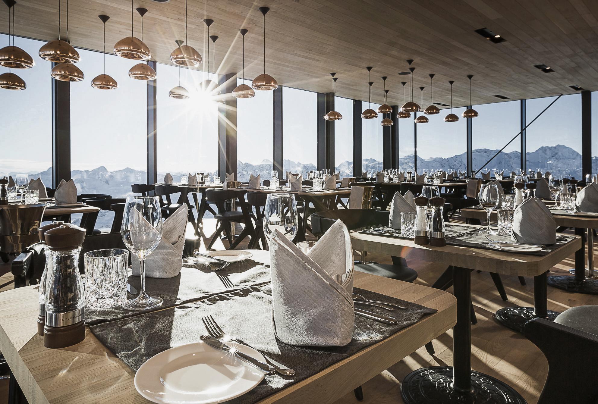 Austria - ice Q restaurant dining room