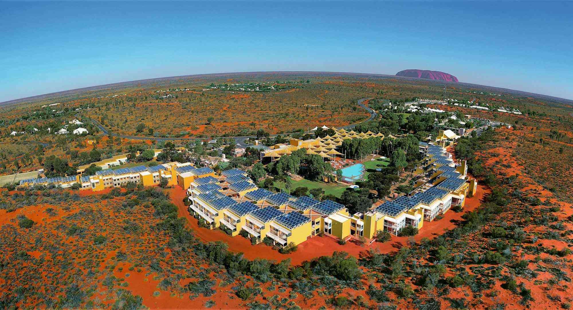 Ayers Rock Uluru hotel Sails in the Desert view