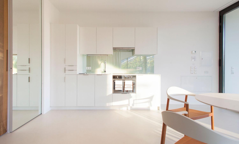 Mirror Houses kitchen
