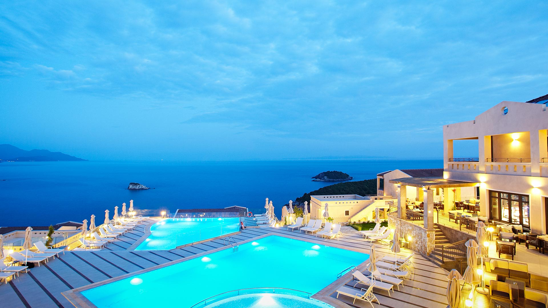 Santorini hotel, pool, romantic restaurant