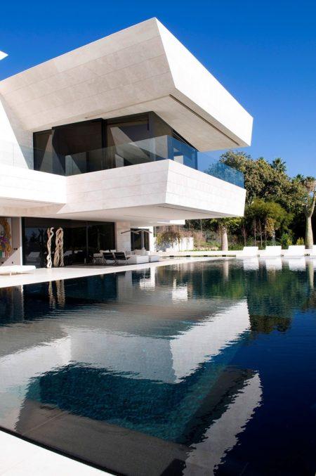 Marbella II - terrace and swimming pool
