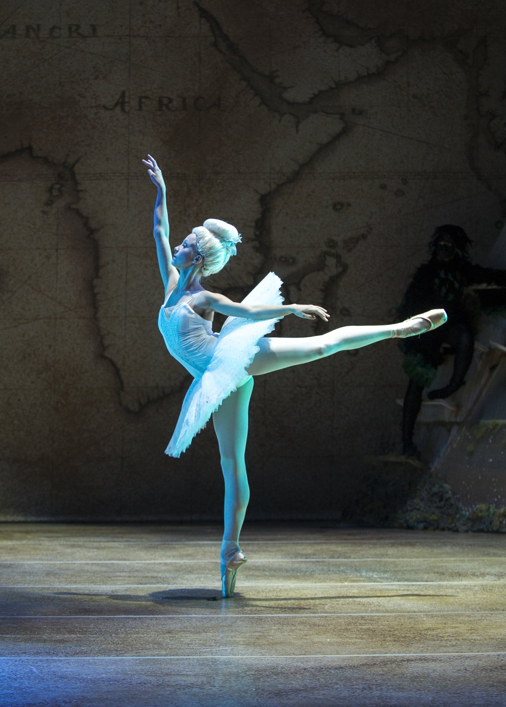 Oslo Opera House - classic dancer