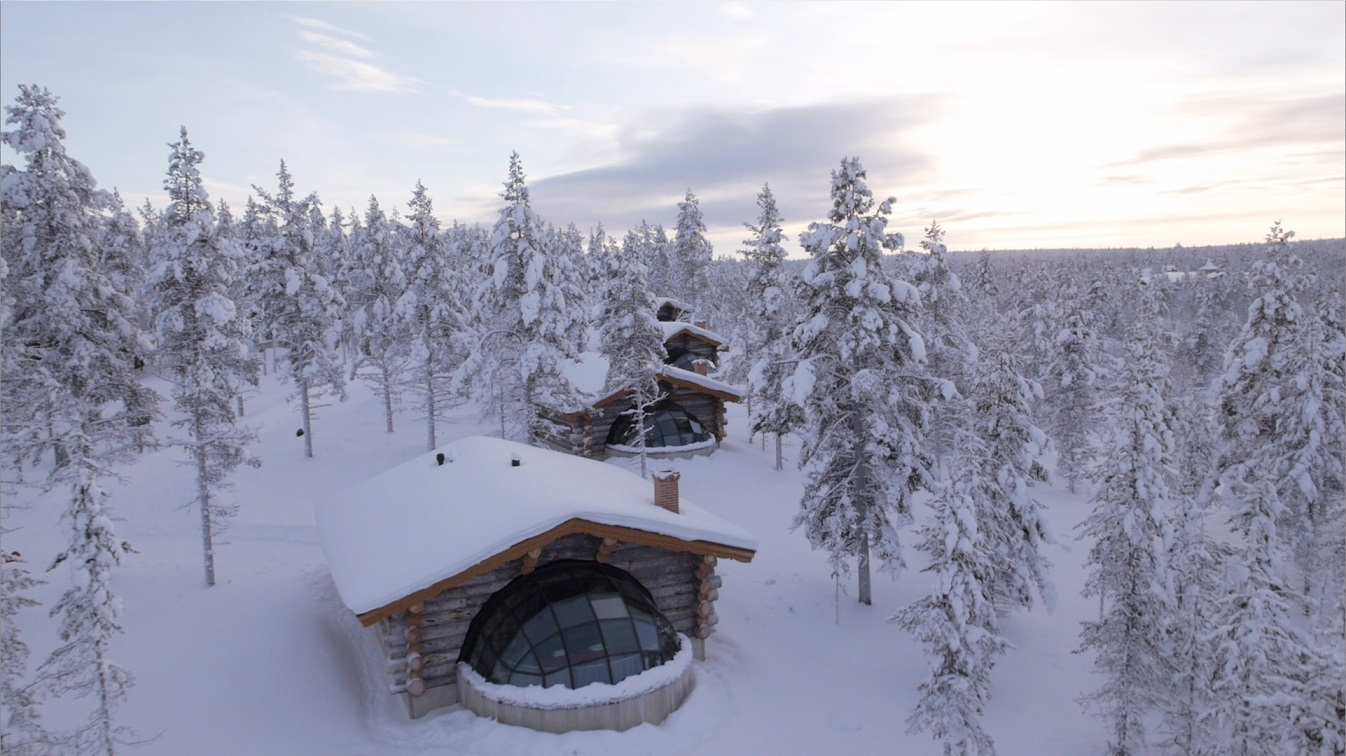 Kakslauttanen - glass igloo in winter